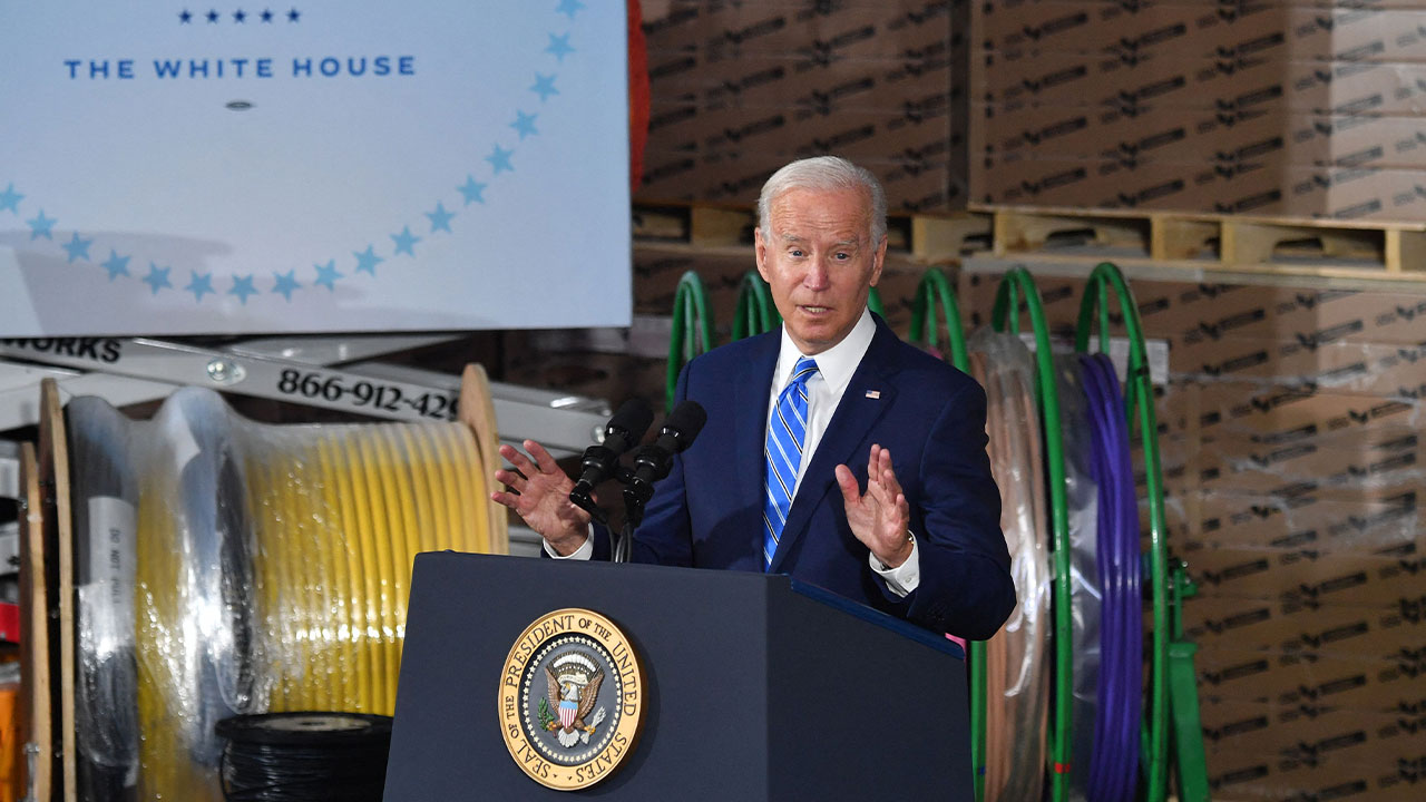 President holds vaccine mandate event at business owned by major Biden campaign donor