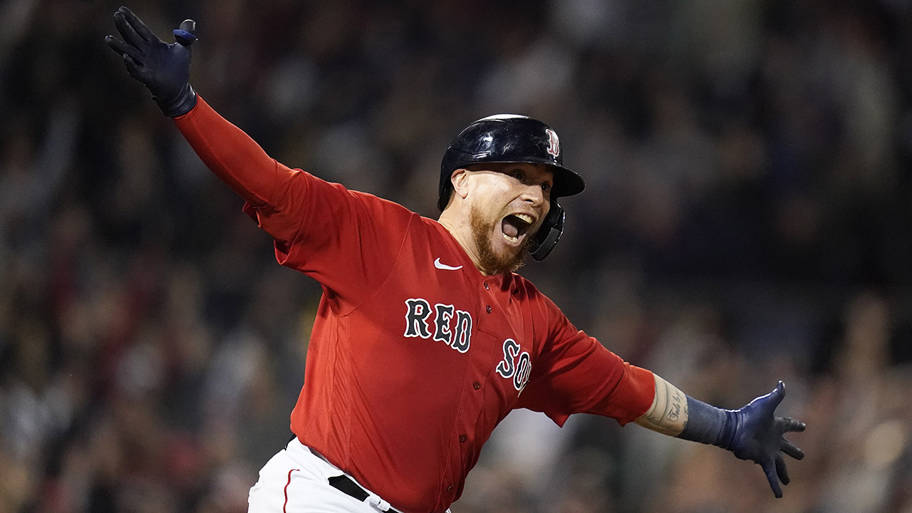 Red Sox's Christian Vazquez hits walk-off home run after ruling erases Rays' run in wild game