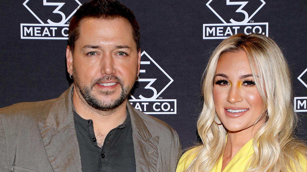 Jason Aldean's wife says they are thanked 'multiple times per day' for speaking out politically