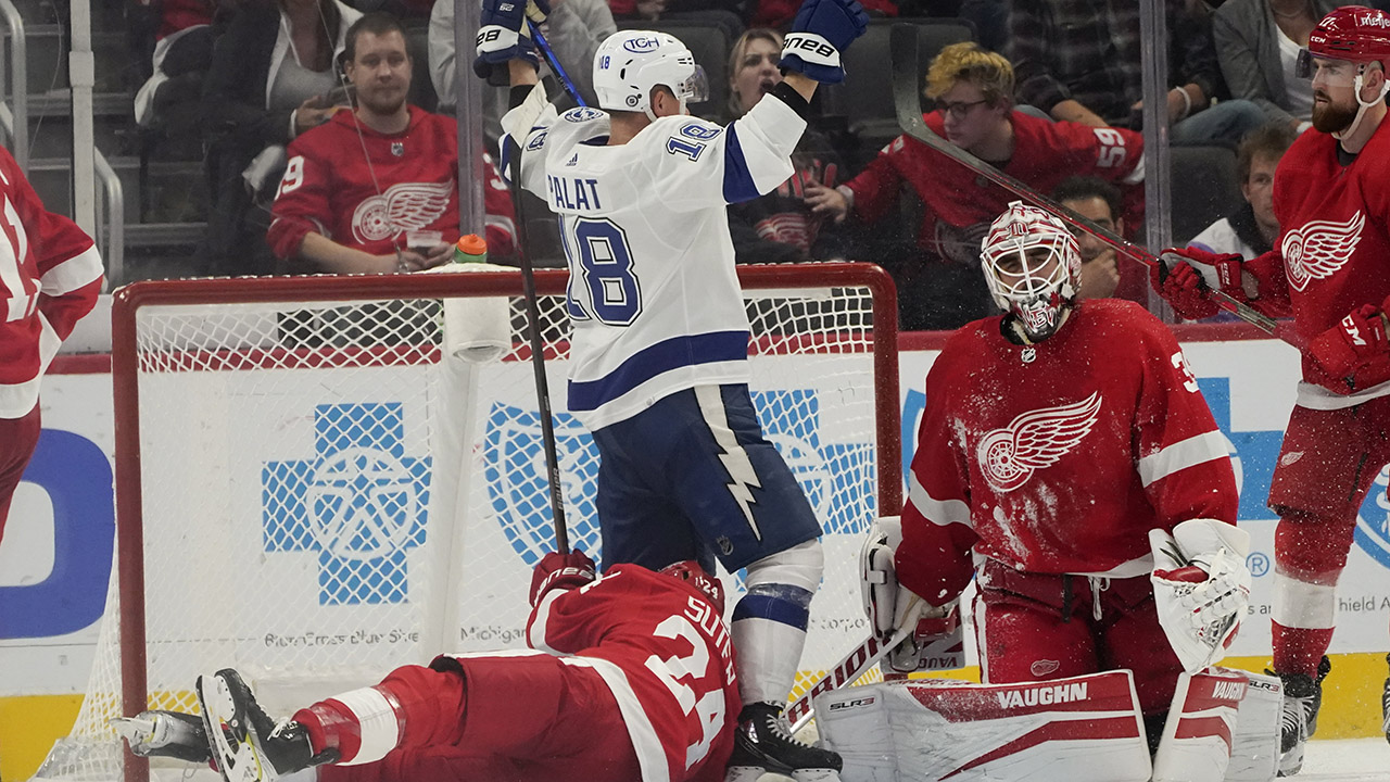 Palat scores, lifts Lightning to 7-6 OT win over Red Wings