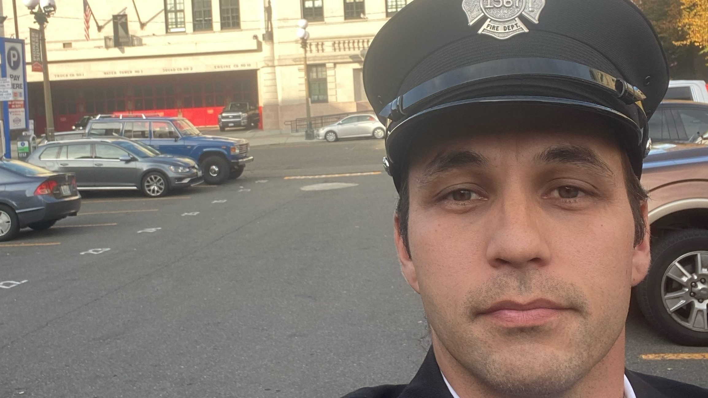 Seattle fireman struggles to feed his family while on unpaid leave amid vaccine mandate