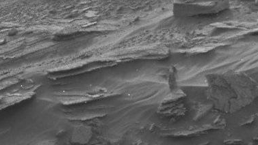 Strange 'figure' spotted by Mars Curiosity Rover