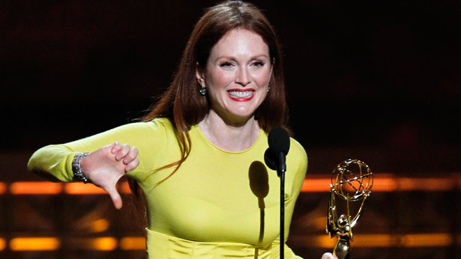 julianne-moore-thumbs-down-emmys-reuters-660.jpg
