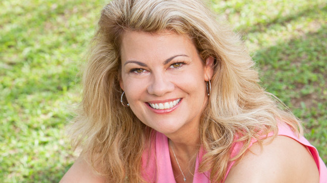 lisa-whelchel-smiling-660.jpg