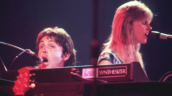 paul-linda-mccartney-singing-wings-660-AP.jpg