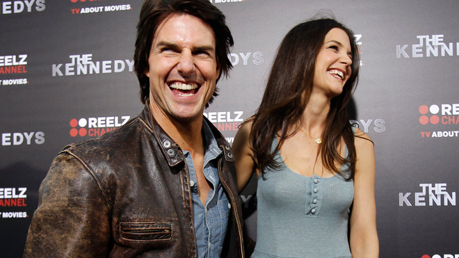 tom-cruise-katie-holmes-laughing-red-carpet-661.jpg