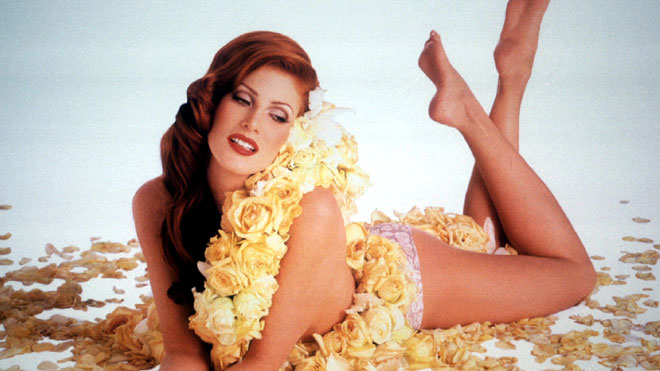<b>Angie Everhart</b>