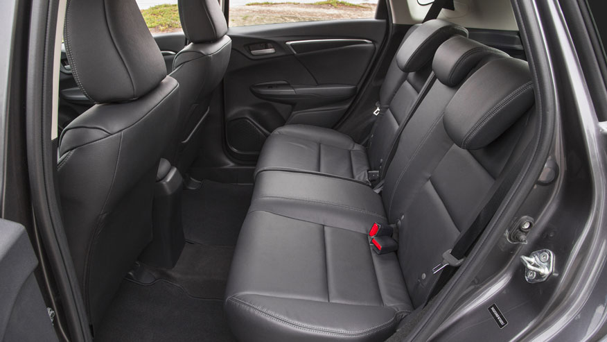 15-honda-fit-back-seat.jpg