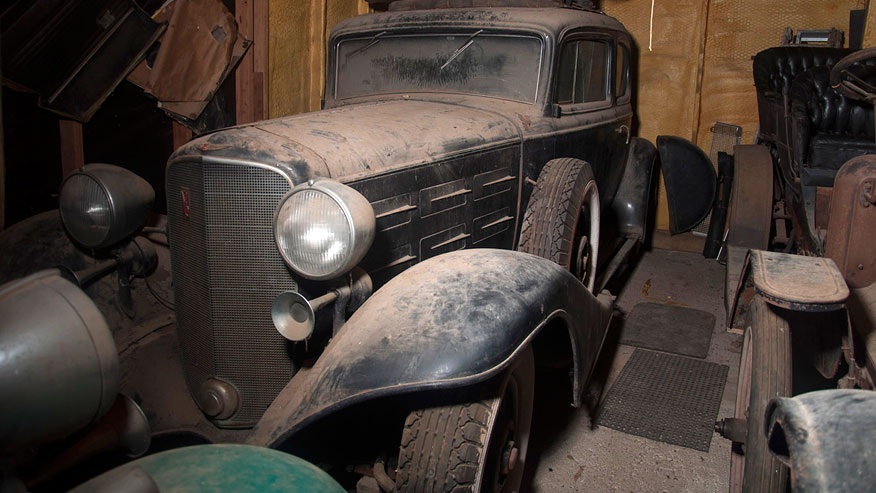 Pre War Automobiles Worth 700k Found In Texas Barn Up For Auction