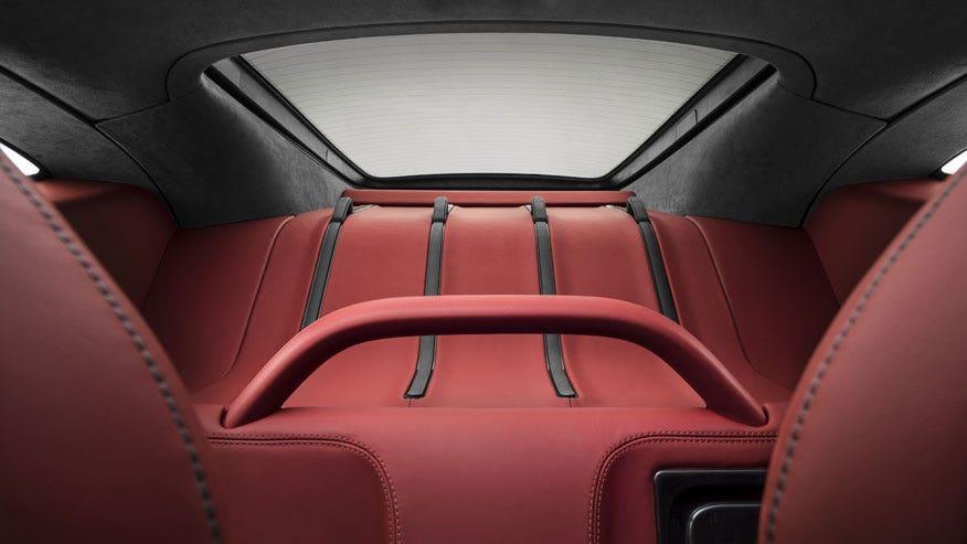 570-gt-trunk.jpg