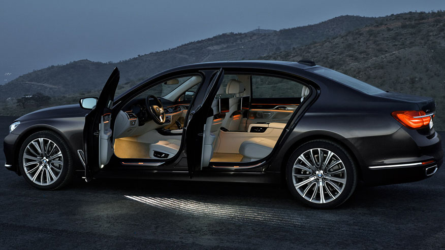 bmw-7-series_cabin-876.jpg