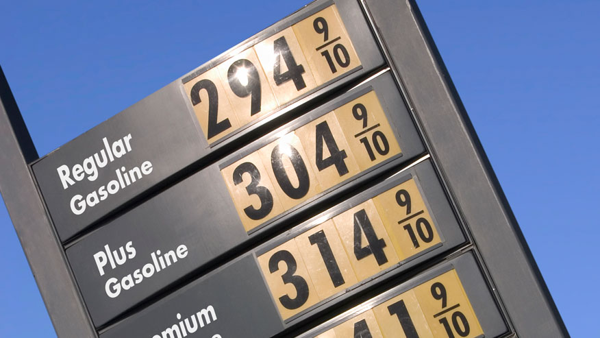 Prices at the pump head below $3 in much of US