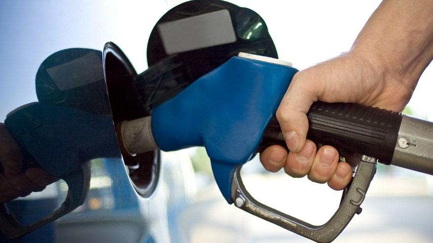 gas-pump-prices-876.jpg