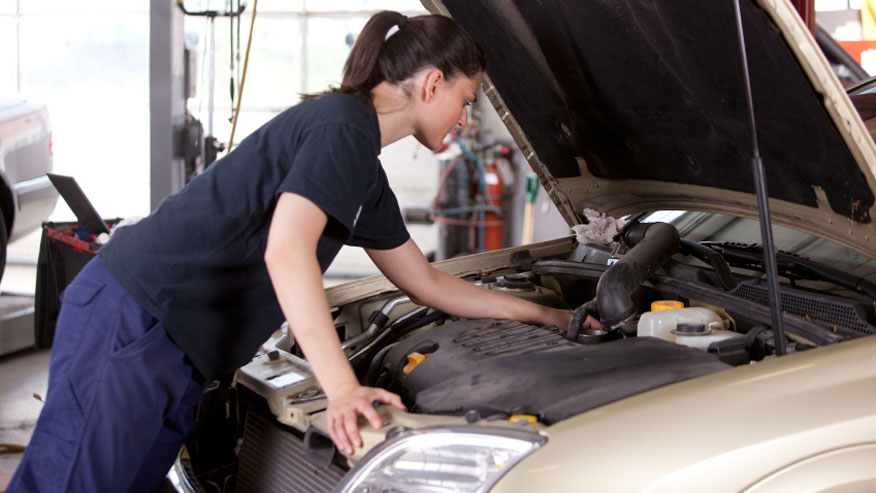 girls-only-garage-876.jpg