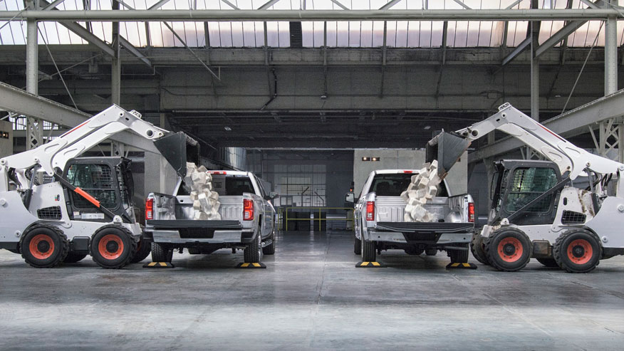 Chevy goes after aluminum Ford F-150 in new ad