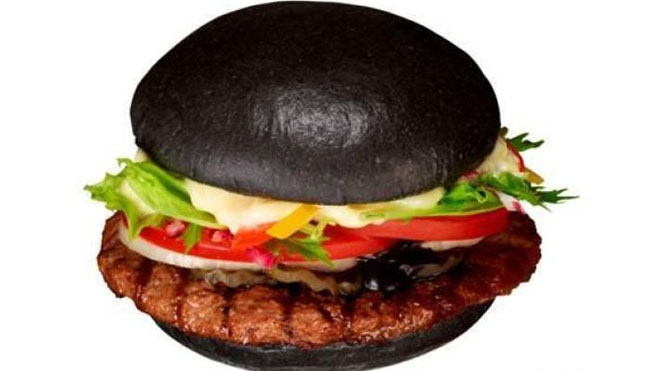 http://global.fncstatic.com/static/managed/img/Leisure/burgerking_blackbun.jpg