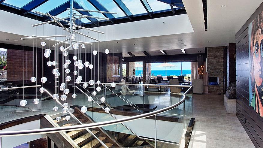 Resort Life In Laguna Beach Fox News