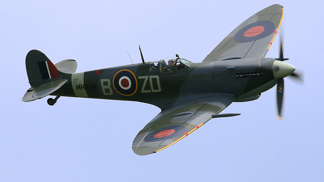 Ray_Flying_Legends_2005-1.jpg