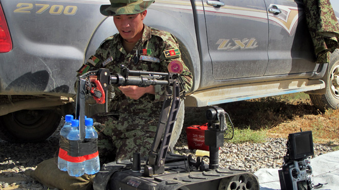 afghanistan_bomb_defusal_training.jpg