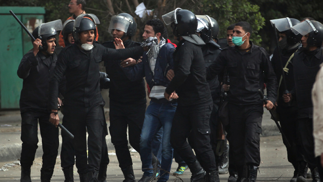 cairo_protests_12713.jpg