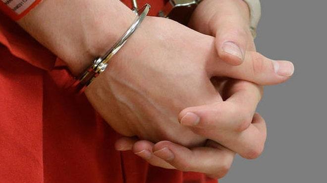 handcuffsAP.jpg