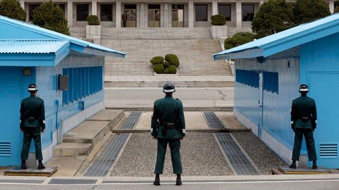 korea_border_041013.jpg