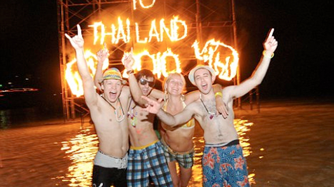 thai_fullmoon_party_ap.jpg
