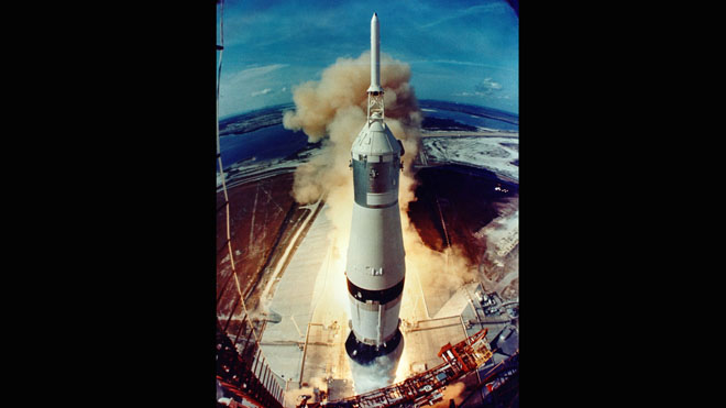 NASA_SaturnV_62295main_liftoff_full660.jpg