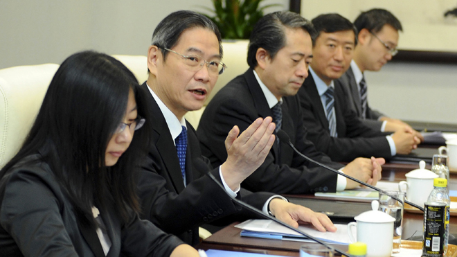 china_japan_officials92612.jpg