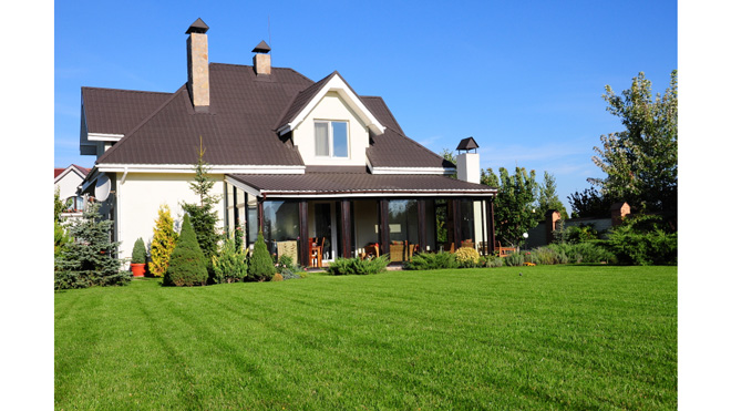 iStock_Small_CountryHouse660.jpg