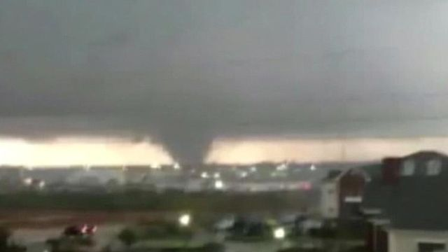 Tornado causes significant damage in Mississippi, leaving more than a dozen injured